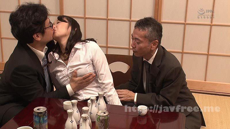 [HD][GS-234] 出張先で接待宴会させられるソソる酒乱キス魔の女子社員!出張先で取引先のオヤジと酒宴。酔わされてセクハラされまくりの紅一点女子社員…ところが酒癖が悪く悪のり逆セクハラ!? - image GS-234-8 on https://javfree.me