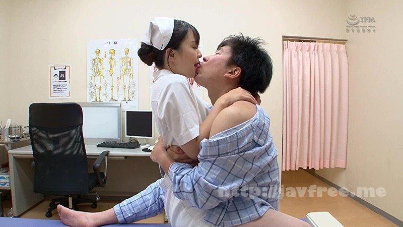 [HD][GS-251] 男の乳首を吸いまくるちっこい看護師 麻酔で動けないでいる男の乳首を吸いに来る甘えん坊なソソる看護師。チンチンがそそり立ってもしつこく俺の乳首を吸引!オッパイなんか出ないよ!!代わりに白い物が出そうだよ…麻酔が切れてきてだんだん動けるようになってきた僕は… - image GS-251-3 on https://javfree.me