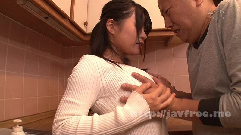 [GS-252] 家に遊びに来た娘の友達は全員爆乳!!その胸元から視線を逸らせずにいると…気付かれてしまい大失態!のはずが…その爆乳やお尻を見せつけてきた!!娘の友達は超おじさん好き!?娘の目を盗んで迫られてしまいソソられたギンギンの勃起チ○ポを何度も挿れられてしまい… - image GS-252-15 on https://javfree.me