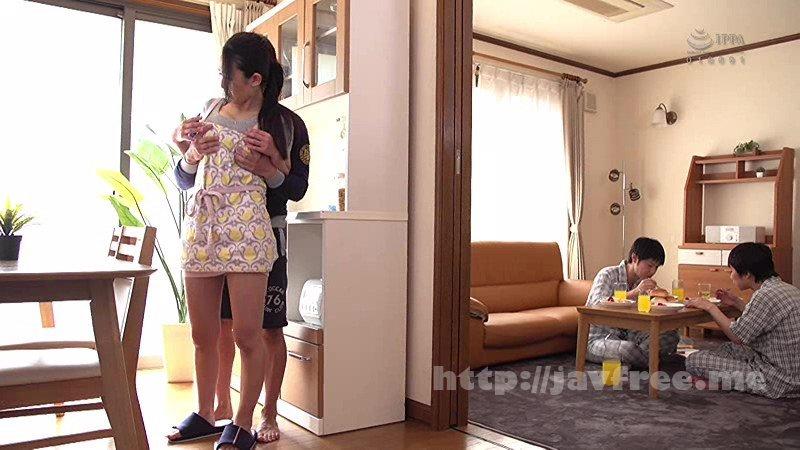 [HD][HBAD-494] 息子の友達のマセガキ共に性処理させられザーメンまみれの母親 ~森ほたる - image HBAD-494-12 on /