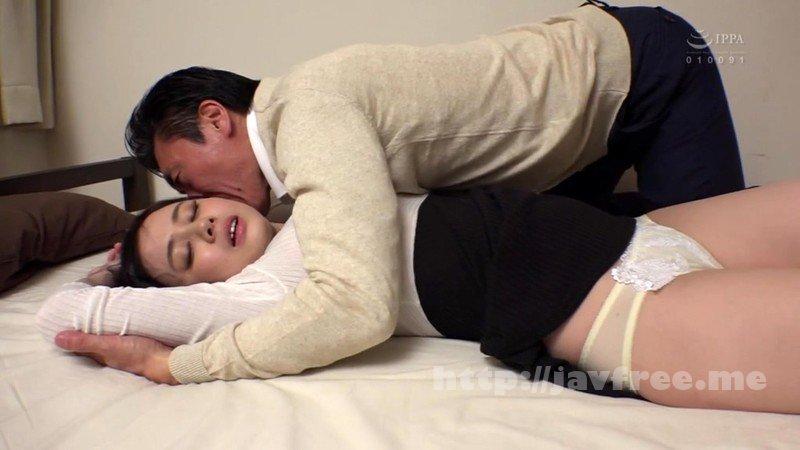 [HD][HBAD-523] 義父をその気にさせる、嫁の柔肌と若い欲望