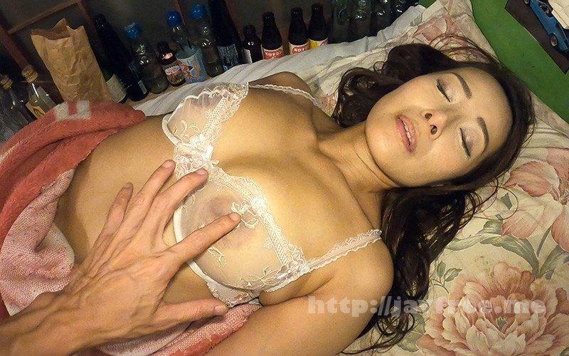 [HD][HR-003] ちくび屋 恥じらう熟女みお45歳 (恥ずかしすぎる)お下品な黒乳首をつまみあげてみた 森下美緒 - image HR-003-12 on https://javfree.me