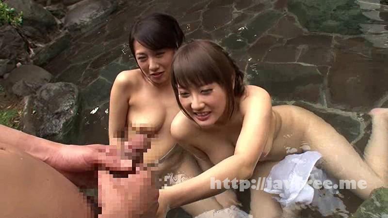 [HUNTA 040] 「出るに出られない!まさか女風呂だったなんて!」露天風呂に浸かっていたら女性の声が!まさかと思ったら女風呂だったみたいで出るに出られない!当然、女同士だから隠すこともなく大きなオッパイ全開で巨乳が丸見え! 2 HUNTA