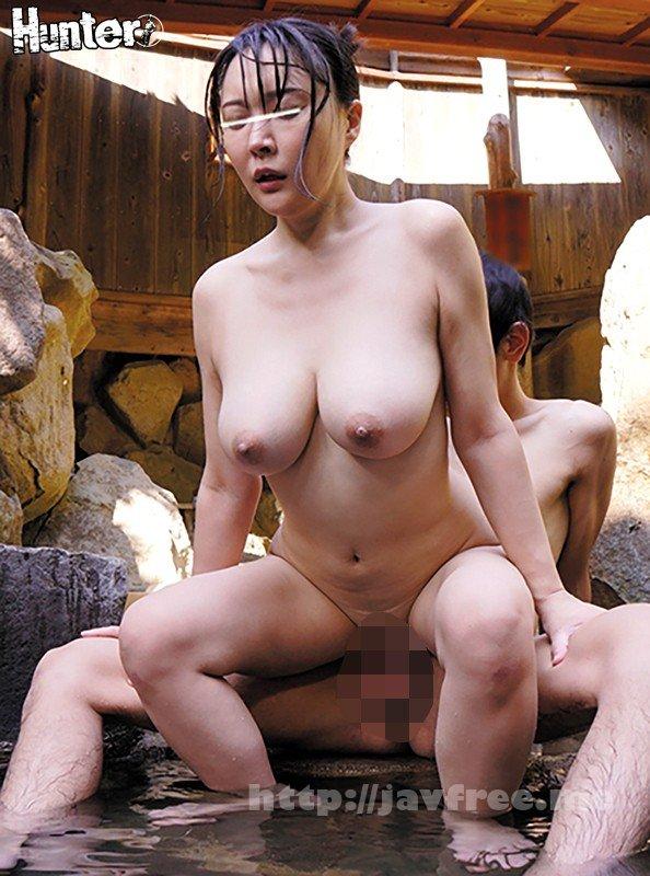 [HD][HUNTA-397] 巨乳過ぎるお姉ちゃんと露天風呂でまさかの2人きり!しかもまさかお姉ちゃんの裸で勃起してしまうなんて!家族旅行で久しぶりに一緒に温泉に入った姉の胸が想像以上に巨乳過ぎてビックリ!見るつもりはなかったが気付くと視線は常に姉の胸へ。とにかく大きくて柔らかそうな… - image HUNTA-397-12 on https://javfree.me