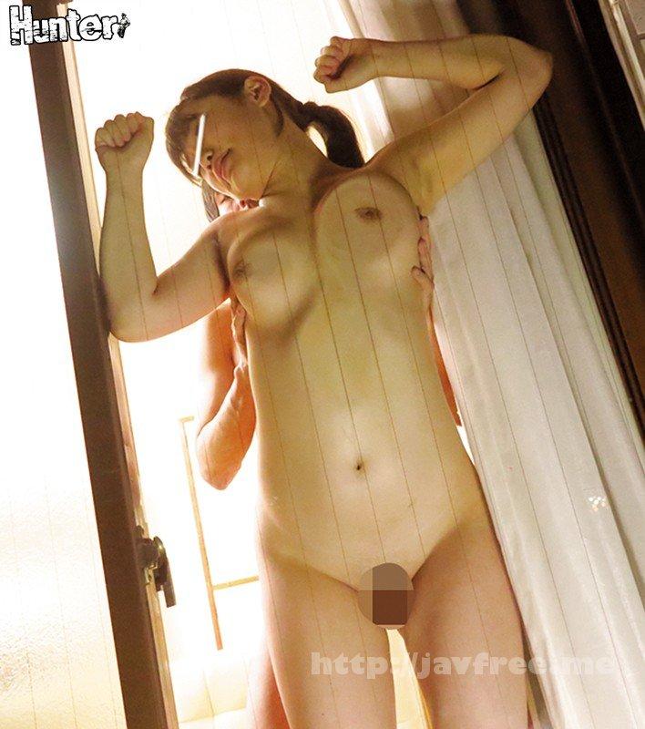 [HUNTA-516] ガラス扉巨乳押し付け立ちバックで乳首を擦り付け淫乱スイッチオン!うちには終電をなくした姉の友達がよく泊まりに来るのですが、みんな美人で巨乳のハイスペック!!さらにシャワーを使う時、とんでもないラッキーが起こるんです!実はうちの風呂場、ガラス扉から裸が… - image HUNTA-516-4 on https://javfree.me