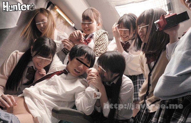 [HD][HUNTA-656] ドキドキワクワクが止まらない修学旅行に男子はボク1人!!しかも深夜バスで行くんです!何かが起こる予感が…。車内でもみんなボクに親切で…