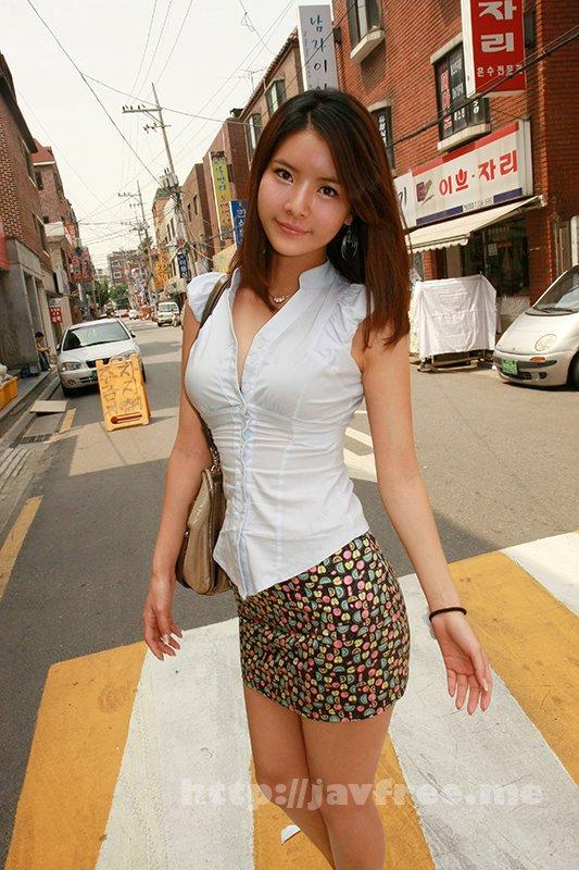 [HUSR-239] 韓国で美少女ゲット!「セックスしたいの…」1ヶ月の禁欲でたまりにたまった性欲を大解放!たまらずチ○ポにしゃぶりつく! - image HUSR-239-17 on https://javfree.me