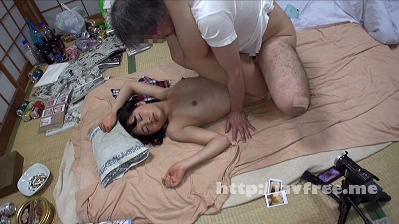 [IBW-515] 夏休みに遊びに来た日焼け姪っ子を睡眠薬で眠らせ初●もきていないマ●コに中出しを繰り返す叔父の投稿映像 - image IBW-515-5 on /