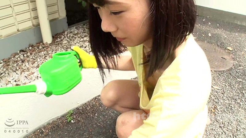[IBW-697] 無防備美少女のパンチラ・胸チラ映像集 4時間