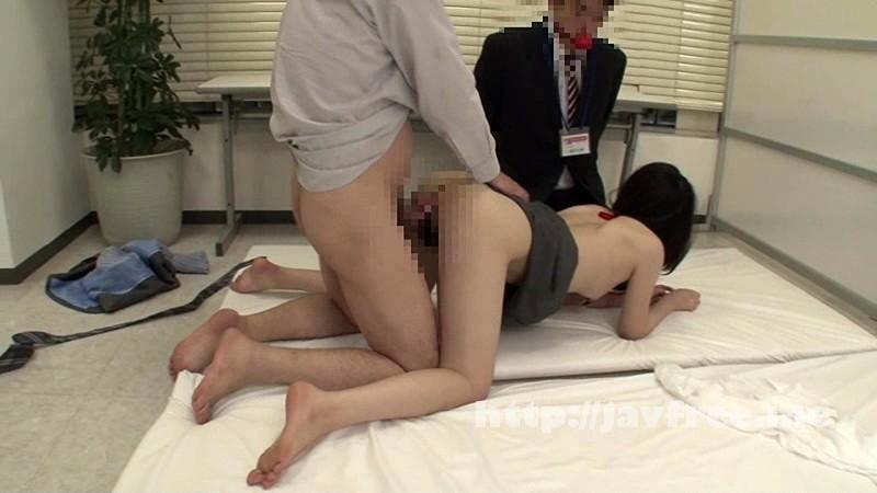 [IENE-585] 人妻SODG女子社員 社内不倫している淫乱女は浮気素股させます。 - image IENE-585-5 on https://javfree.me