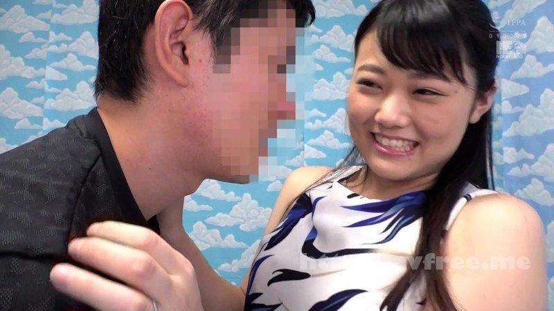 [HD][IENF-060] 新宿で見つけた心優しい巨乳の人妻さん 童貞くんのオナニーのお手伝いのつもりがセックス練習ってことで素股していてヌルっと入って筆おろし!? 2
