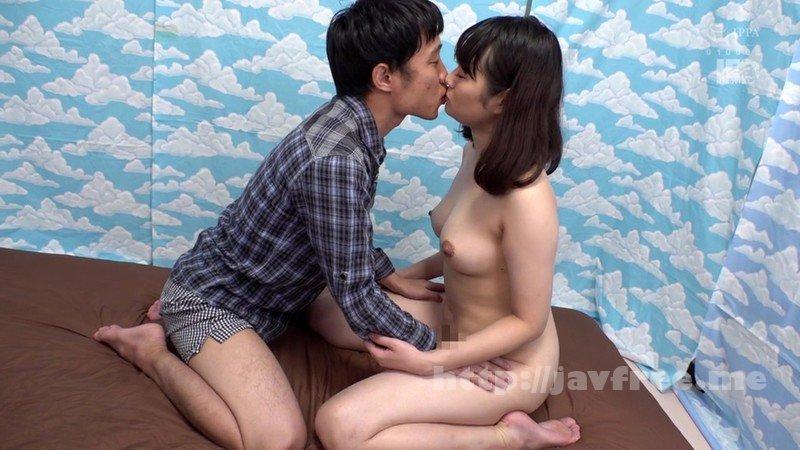 [HD][IENF-096] 横浜で見つけた心優しい巨乳の人妻さん 童貞くんのオナニーのお手伝いのつもりがセックス練習ってことで素股していてヌルっと入って筆おろし!?3 - image IENF-096-12 on https://javfree.me