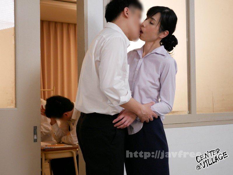 [HD][IQQQ-22] 声が出せない絶頂授業で10倍濡れる人妻教師 鶴川牧子 - image IQQQ-22-9 on https://javfree.me