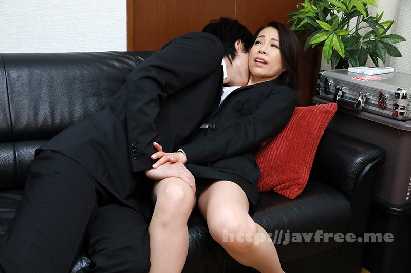 [HD][ITSR-082] 本気になるおばさん。「からかうのはやめて」と最初は笑っていたけど、リアルにSEX突入の気配!?最後はおばさんなのに、本気の中出しまで!?4
