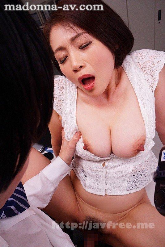 [HD][JUL-553] これは部下に厳しいムチムチ女上司にセクハラしたら怒られるどころかセックスまで出来た話です。 友田真希 - image JUL-553-2 on https://javfree.me
