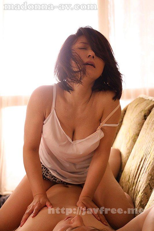 [HD][JUL-718] 汗ほとばしる人妻の圧倒的な腰振りで、僕は一度も腰を動かさずに中出ししてしまった。 綾瀬麻衣子 - image JUL-718-5 on https://javfree.me
