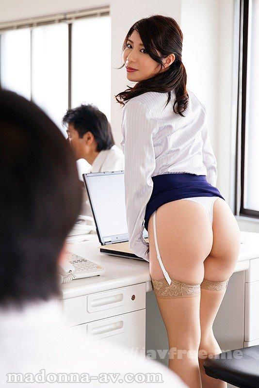[HD][JUY-558] 転職先の女上司に勤務中ずっと弄ばれ続けている新人の僕 工藤まなみ