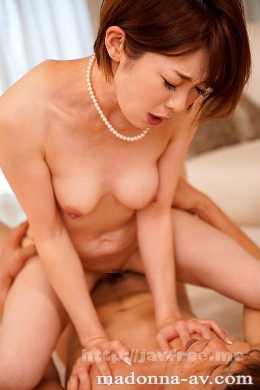 [JUY-692] 衝撃の中出し解禁!! 元女子アナ人妻、生ハメ狂い3本番。 香澄しおり