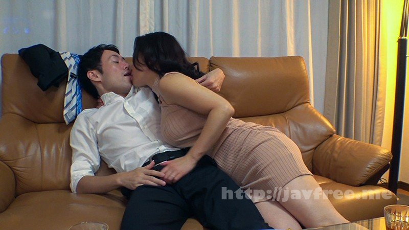 [KAGP-037] 酔うとキス魔になる奥さん 普段は固い性格なのに、酒を飲むと僕に甘えまくって隣の部屋に旦那がいるにも関わらずベロチュウをせがみまくる!