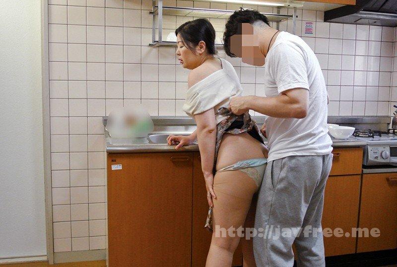 [HD][KEIFU-004] 罪悪感という快楽 地方の友人を家に泊めて夫がいるにもかかわらず 妻を口説かせたら…ゆりえ48歳 川田ゆりえ - image KEIFU-004-10 on https://javfree.me