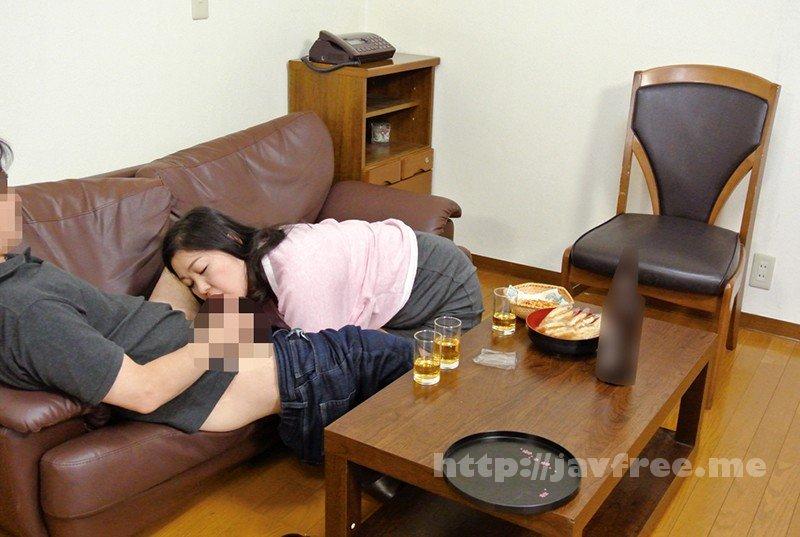 [HD][KEIFU-004] 罪悪感という快楽 地方の友人を家に泊めて夫がいるにもかかわらず 妻を口説かせたら…ゆりえ48歳 川田ゆりえ - image KEIFU-004-5 on https://javfree.me