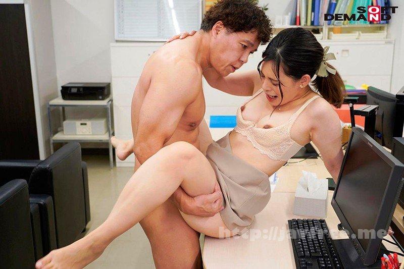 [HD][KIRE-016] 「会議中も商談中もエッチのことで頭いっぱいでした」オフィスで綺麗OLが自ら性欲をさらけ出す誘惑セックス 来栖すみれ - image KIRE-016-17 on https://javfree.me