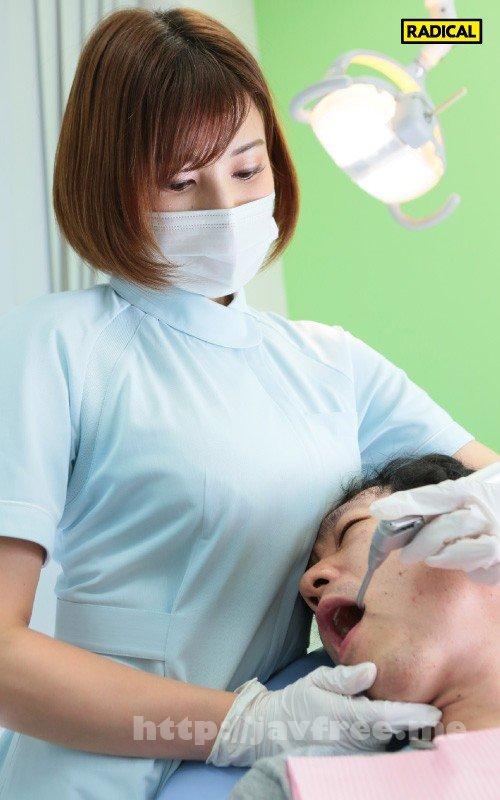 [MANIVR-021] 【VR】大きな胸を顔に押しつけてくる歯科衛生士のデカ乳をねっとり鷲掴みしたら吐息を漏らし感じまくった 若宮はずき - image MANIVR-021-3 on https://javfree.me