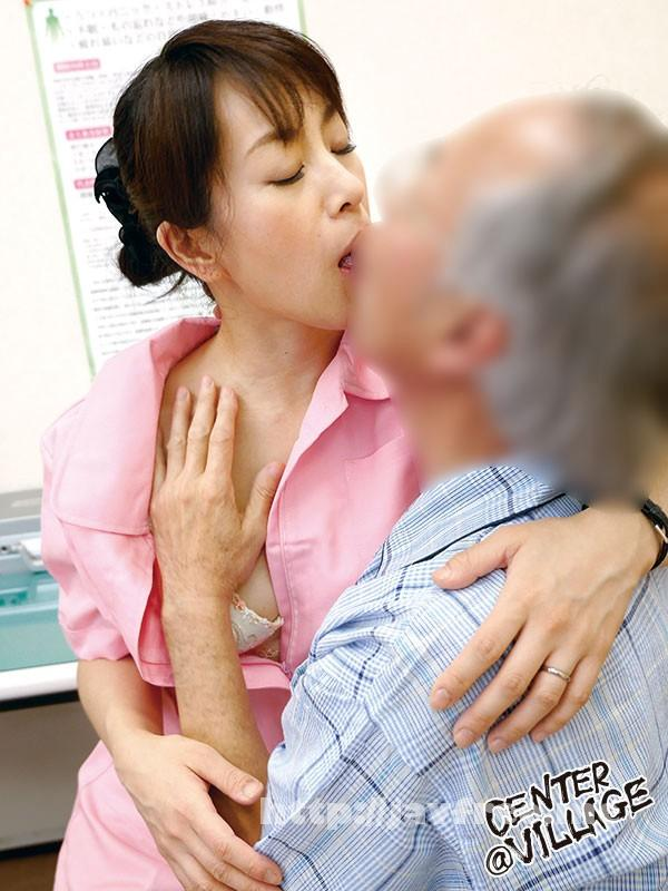 [MESU-26] 麗しのナース母 わびしい中年病棟のやさしい性処理天使 篠宮千明 - image MESU-26-8 on https://javfree.me