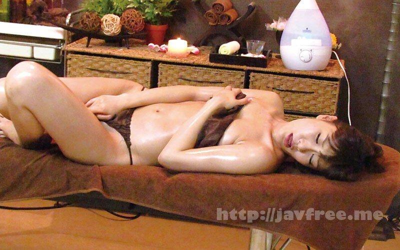 [HD][MGDN-154] 猥褻施術でおばさんの肉体悶絶必至!!悪徳マッサージ師の熟女性感パート3 11名240分 - image MGDN-154-1 on https://javfree.me