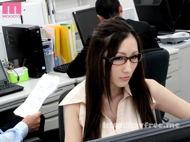 [MIDD-994] キャリアOL痴漢 プライドを汚された高慢な女 JULIA - image MIDD-994-5 on https://javfree.me