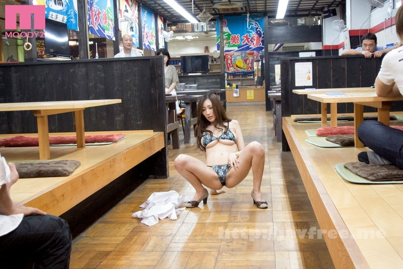 [MIDE-008] 露出営業を強要された人妻 JULIA - image MIDE-008-10 on https://javfree.me