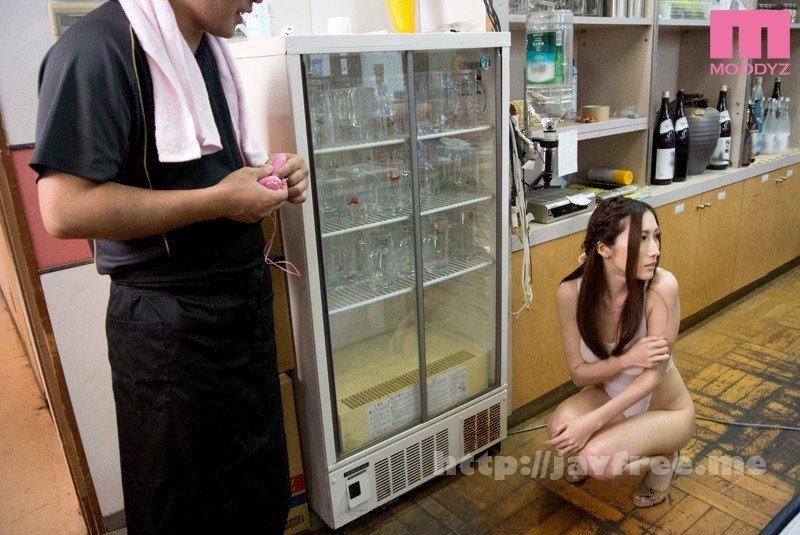 [MIDE-008] 露出営業を強要された人妻 JULIA - image MIDE-008-9 on https://javfree.me