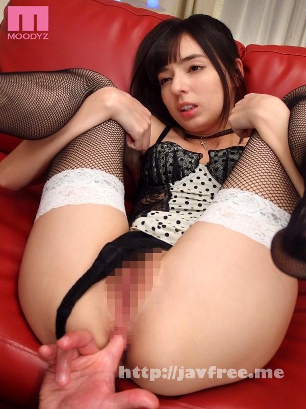 [MIDE-198] 移籍美少女初体験スペシャル 西田カリナ - image MIDE-198-1 on https://javfree.me