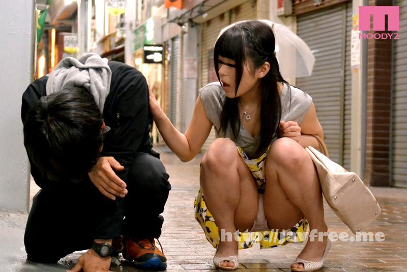 [MIMU-031] 酔いつぶれたカレシを介抱する欲求不満なパンチラ女をレイプ! - image MIMU-031-5 on https://javfree.me