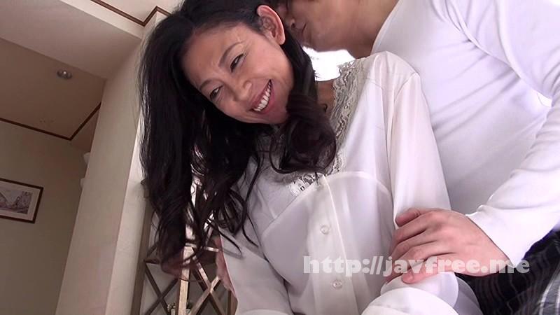 [MKD 122] 人妻AVデビュードキュメント 初撮影でいきなりM字開脚を見せつけるスケベ妻 藤下みのり 藤下みのり MKD