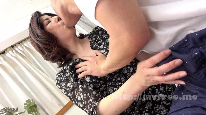 [HD][TSF-003] 朝起きたら若い女になっていた男性会社員(44)を徹底取材 中身オタクのおっさんだけど、制服着せたら超美少女になったのでメス堕ちさせた 村瀬健太郎 - image MKD-217-14 on https://javfree.me
