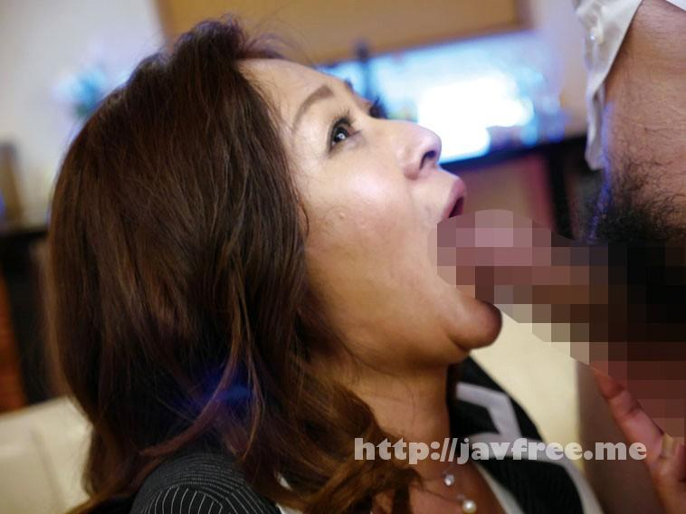 [MLW-2097] 会員制 癒し系 美熟女パブ 内田彩乃 - image MLW-2097-8 on https://javfree.me