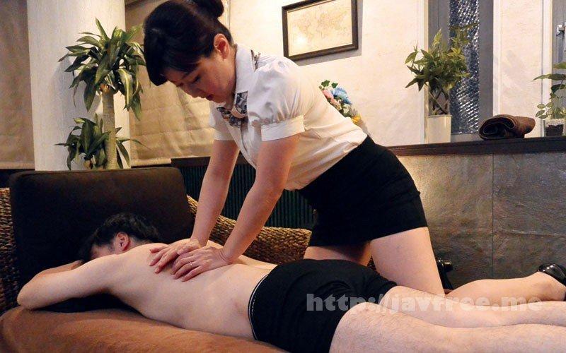 [HD][MOKO-033] 個室メンズエステの美熟女に勃起チ○ポを露出したら… - image MOKO-033-1 on https://javfree.me