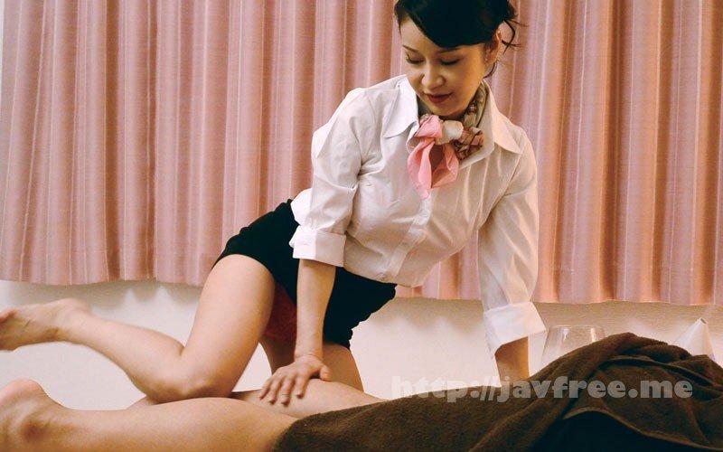 [HD][MOKO-033] 個室メンズエステの美熟女に勃起チ○ポを露出したら… - image MOKO-033-14 on https://javfree.me
