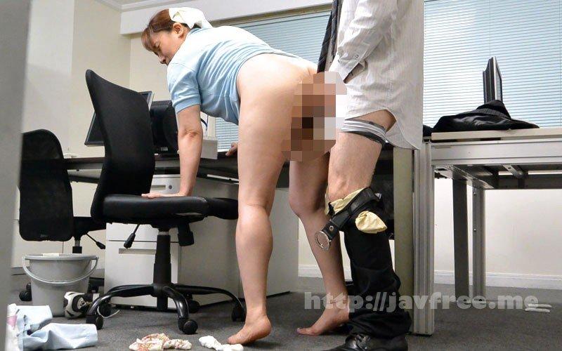 [HD][MOKO-034] 「ヤリたくなっちゃうから、いじらないで~」掃除のおばさんのムチ尻をねちっこく触ってみたら… 180分 - image MOKO-034-10 on https://javfree.me