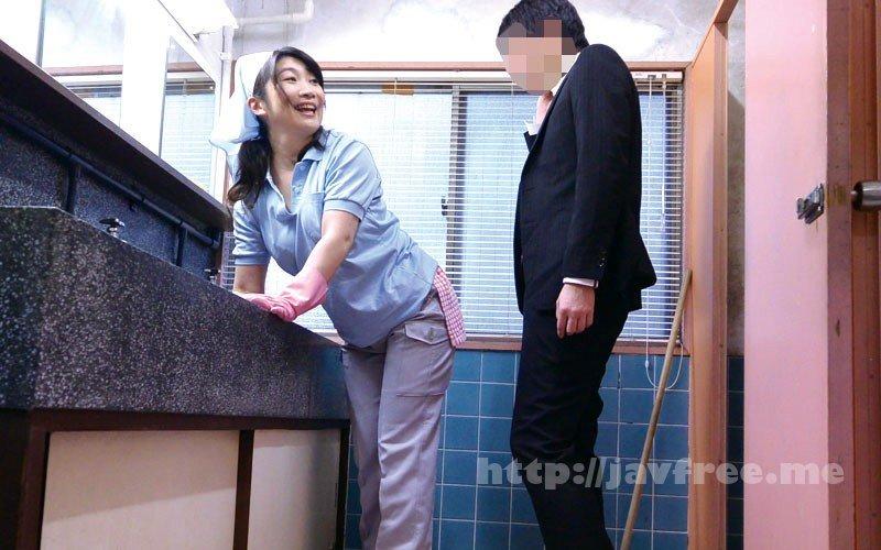[HD][MOKO-034] 「ヤリたくなっちゃうから、いじらないで~」掃除のおばさんのムチ尻をねちっこく触ってみたら… 180分 - image MOKO-034-16 on https://javfree.me