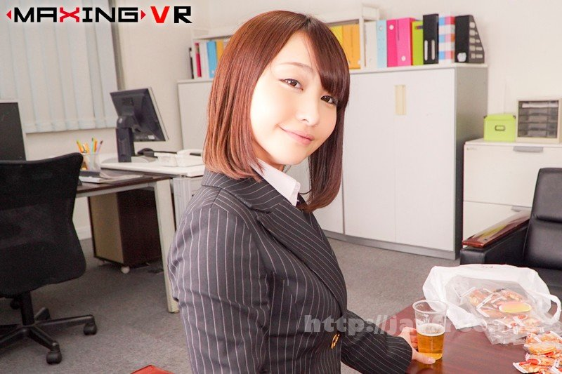 [MXVR-017] 【VR】可愛いお顔が急接近!バックで疲れる彼女の淫顔【咲野の花】 - image MXVR-017-2 on https://javfree.me