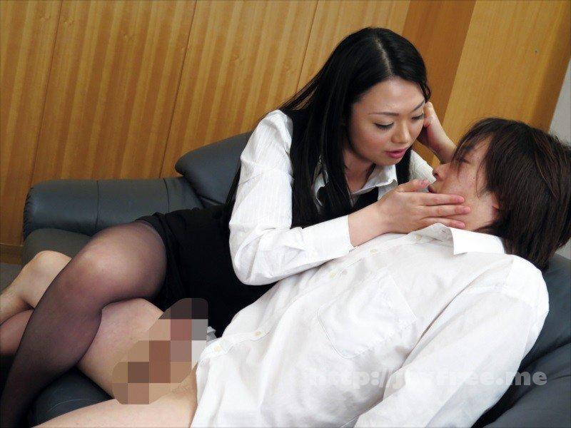 [HD][NASH-018] 仕事のできない能無し部下を呼びつけ怒鳴り散らすくせに二人きりになると急に女の色気をだして甘い声で誘惑してくる女上司 - image NASH-018-15 on https://javfree.me