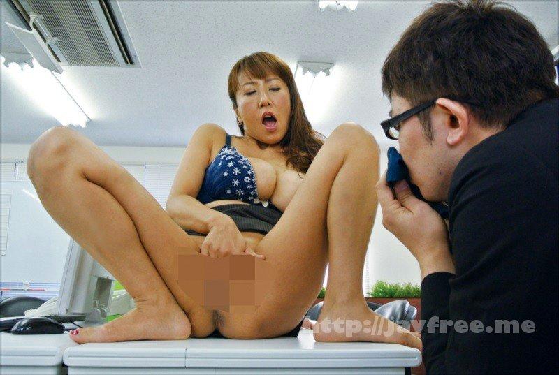 [HD][NASH-018] 仕事のできない能無し部下を呼びつけ怒鳴り散らすくせに二人きりになると急に女の色気をだして甘い声で誘惑してくる女上司 - image NASH-018-18 on https://javfree.me
