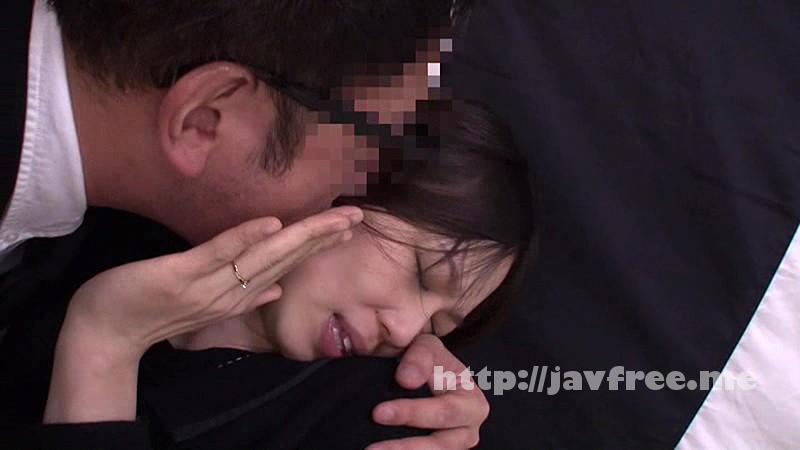 [NHDTA 671] 葬儀中にイカされる不謹慎な快感で潮を漏らし拒めない喪服女 NHDTA