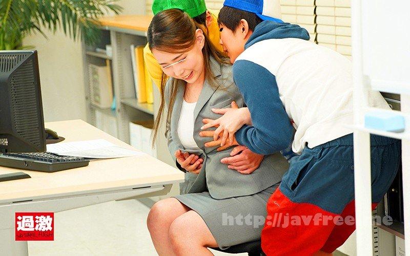 [HD][NHDTB-518] 上司の息子の悪ガキ2人に両乳首をデスクの下で舐め上げられ仕事中にイカされる巨乳OL - image NHDTB-518-2 on https://javfree.me