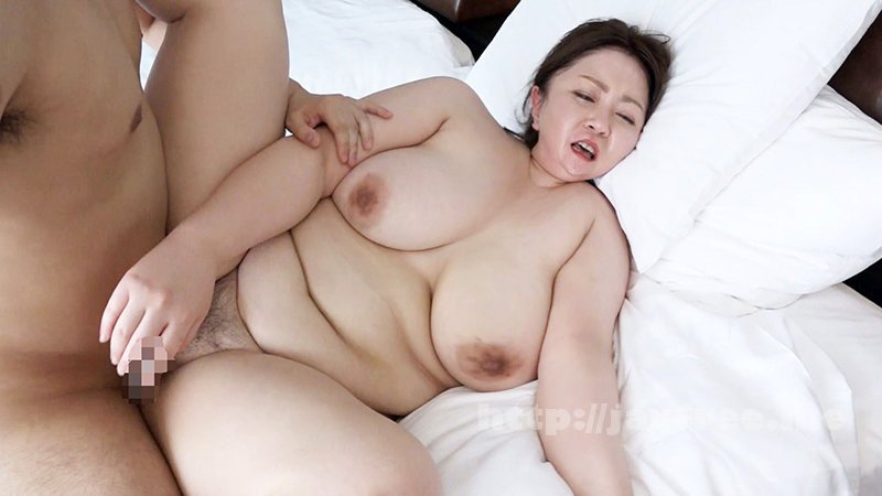 [HD][NINE-053] セックスレス25年の欲求不満セレブ妻は爆乳ぽっちゃり美熟女、緊急AV出演 山代ゆり(45歳) - image NINE-053-7 on https://javfree.me