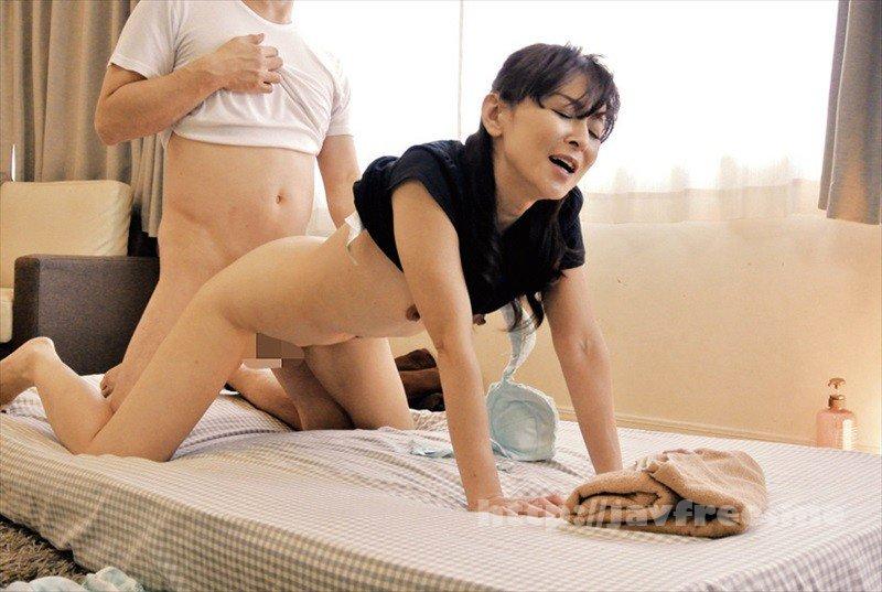 [HD][OKAX-622] 美熟女マッサージ師のおばさんがウマ尻すぎて思わず触ってしまった240分