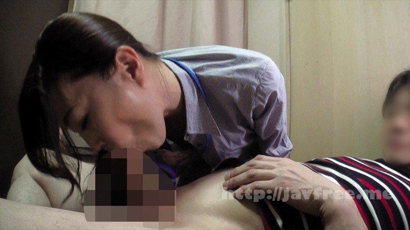 [HD][OKAX-700] 試着室で美熟女店員に勃起チ○ポを露出して裾上げ依頼4時間 - image OKAX-700-13 on https://javfree.me