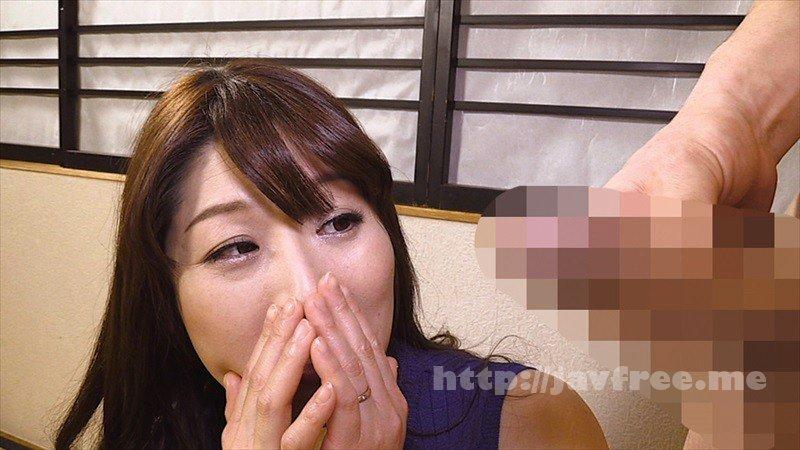 [HD][OKAX-708] 美人妻センズリ鑑賞!欲求不満な奥様にギンギン勃起チ○ポを顔の至近距離で…4時間 - image OKAX-708-16 on https://javfree.me